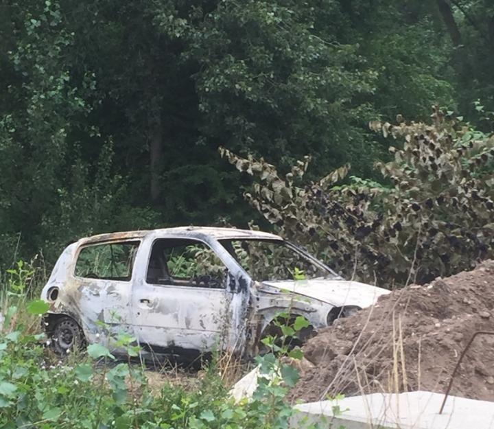 Ce week-end, une voiture volée a été retrouvée incendiée dans le quartier de la Genette.