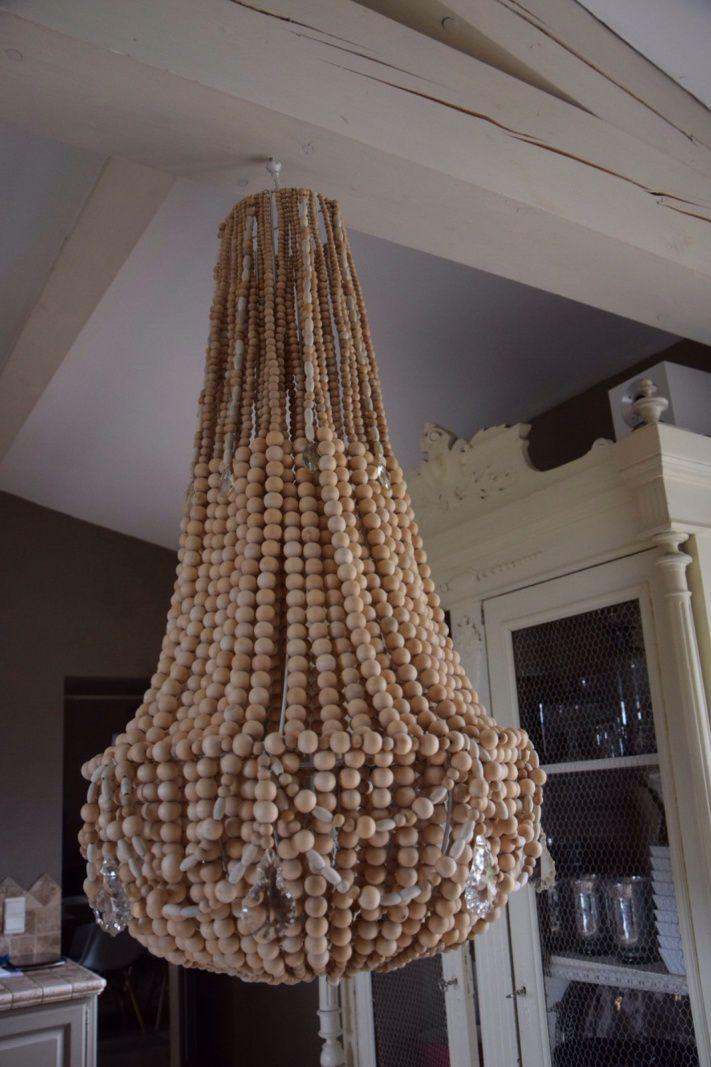 Lustre en perles de bois naturelle