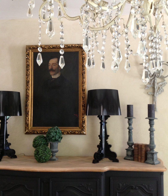 Les meubles noirs m'inspirent.