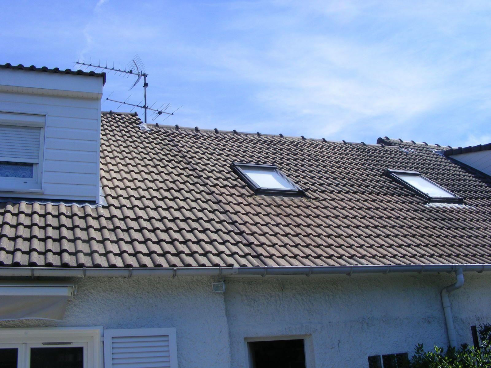 rebelotte pour une autre toiture maill e sur tuiles b ton. Black Bedroom Furniture Sets. Home Design Ideas