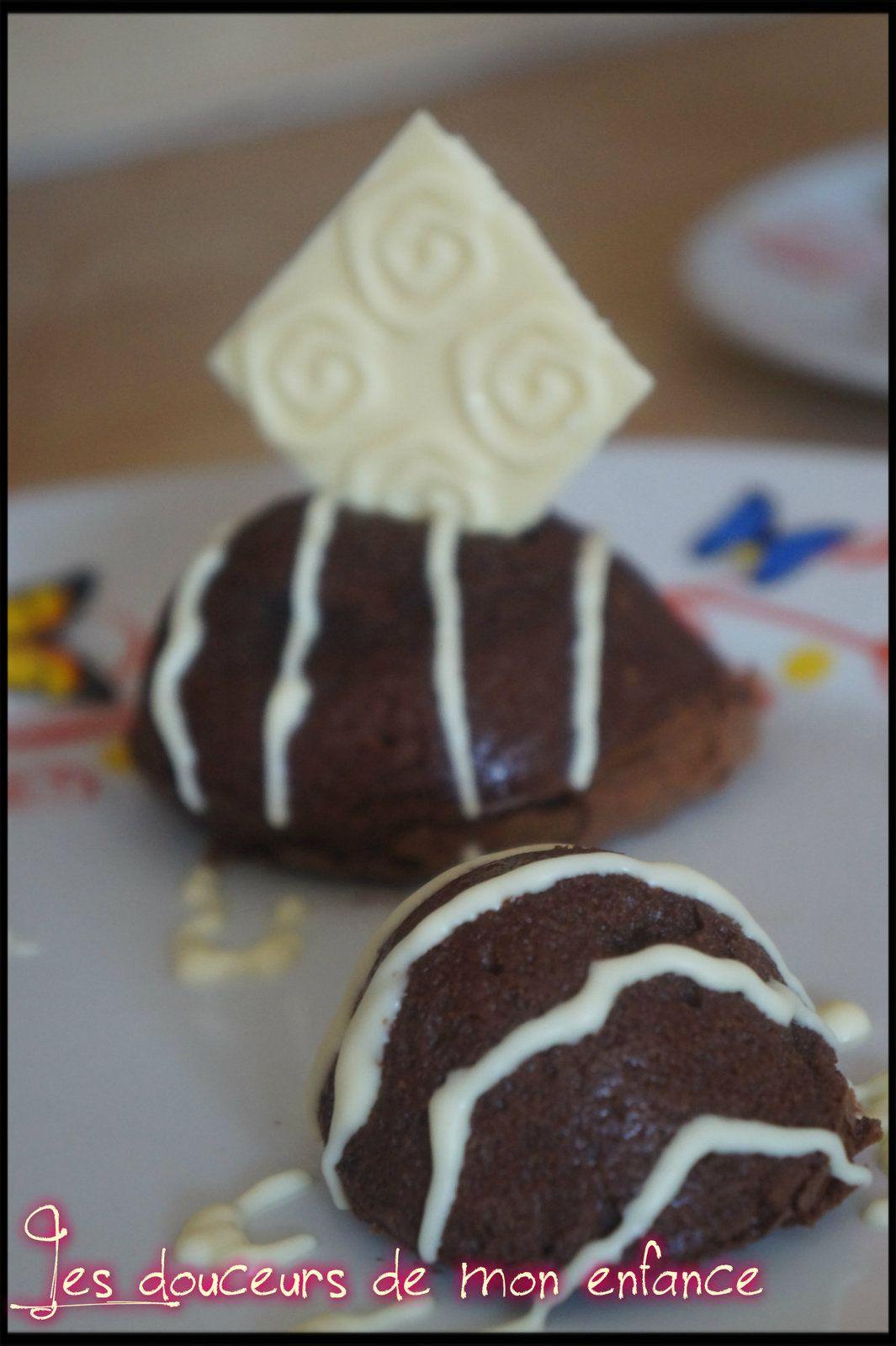 Dôme de gâteau fondant au chocolat noir ( ou gâteau fondant )