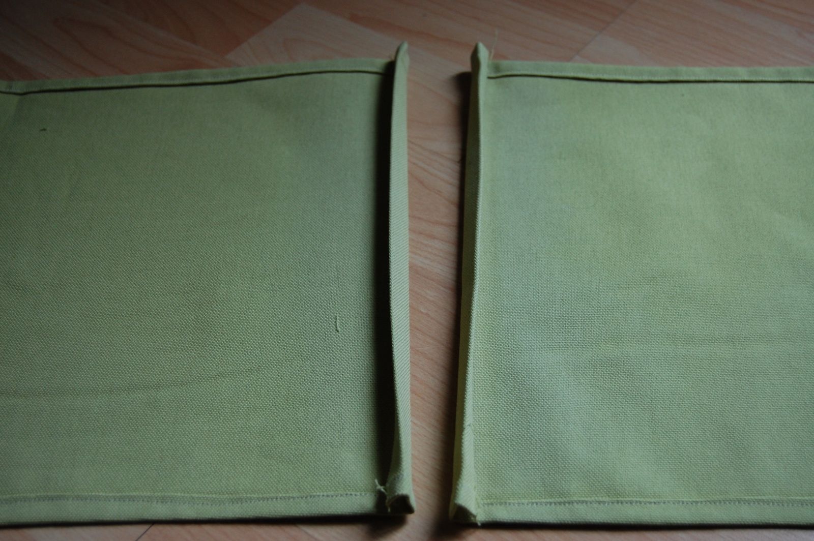 Cadre d'habillage fermeture éclair à jupe (non séparable)