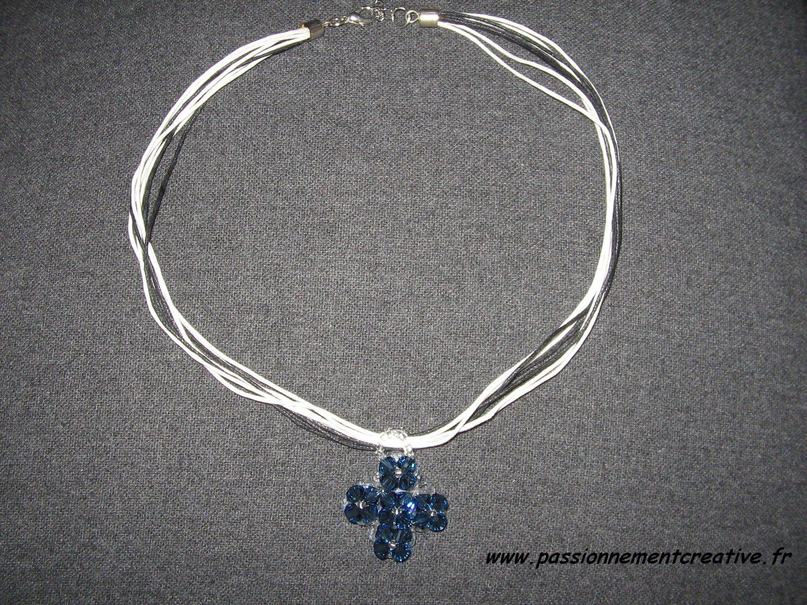 Pendentif Croix de verre