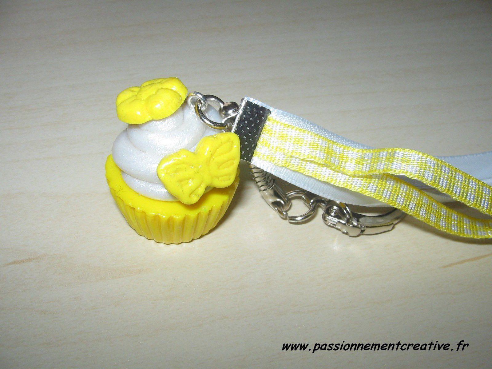 Porte clés cup cakes en fimo