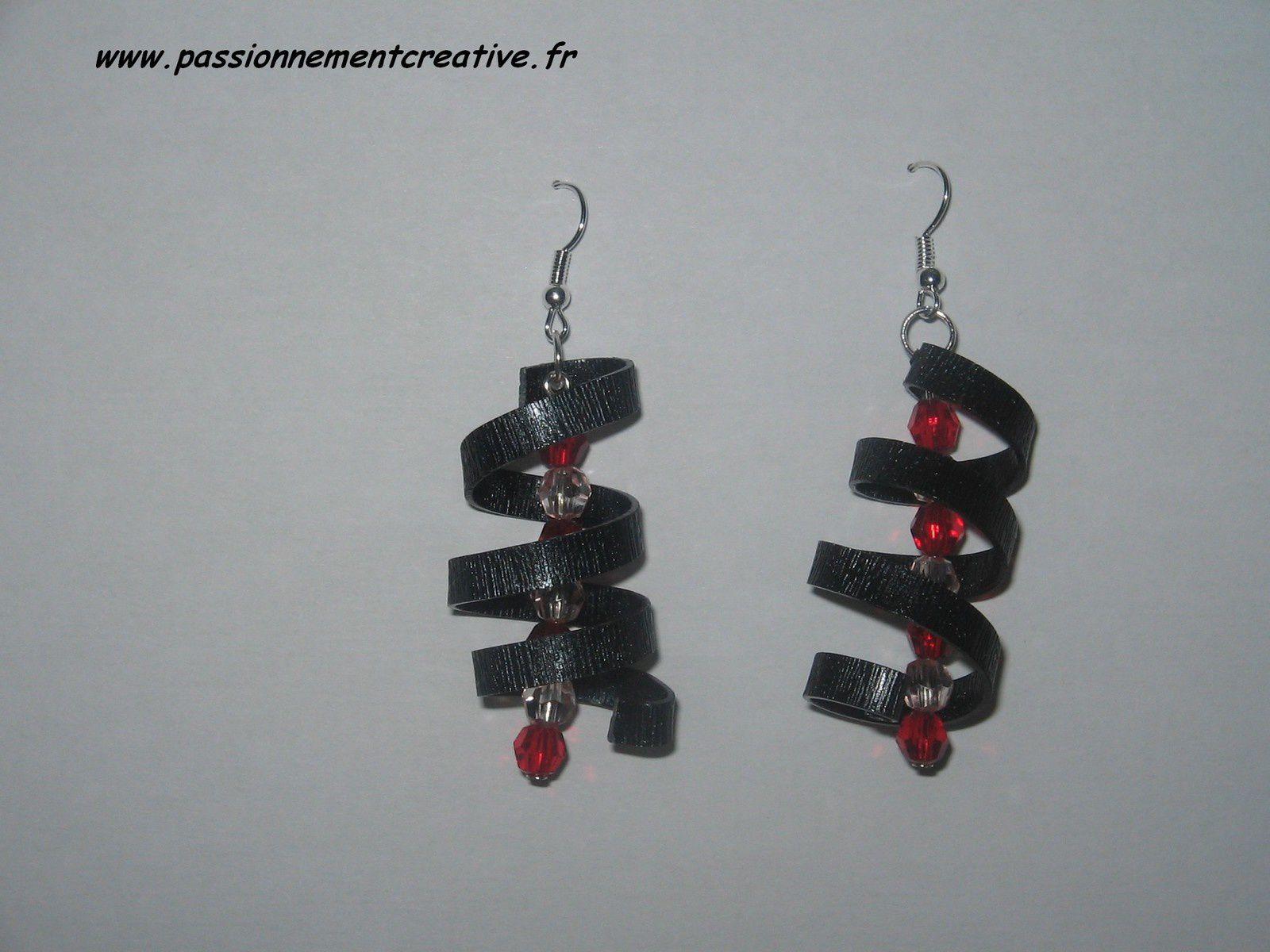 Boucles d'oreilles Alu plat en rouge et noir