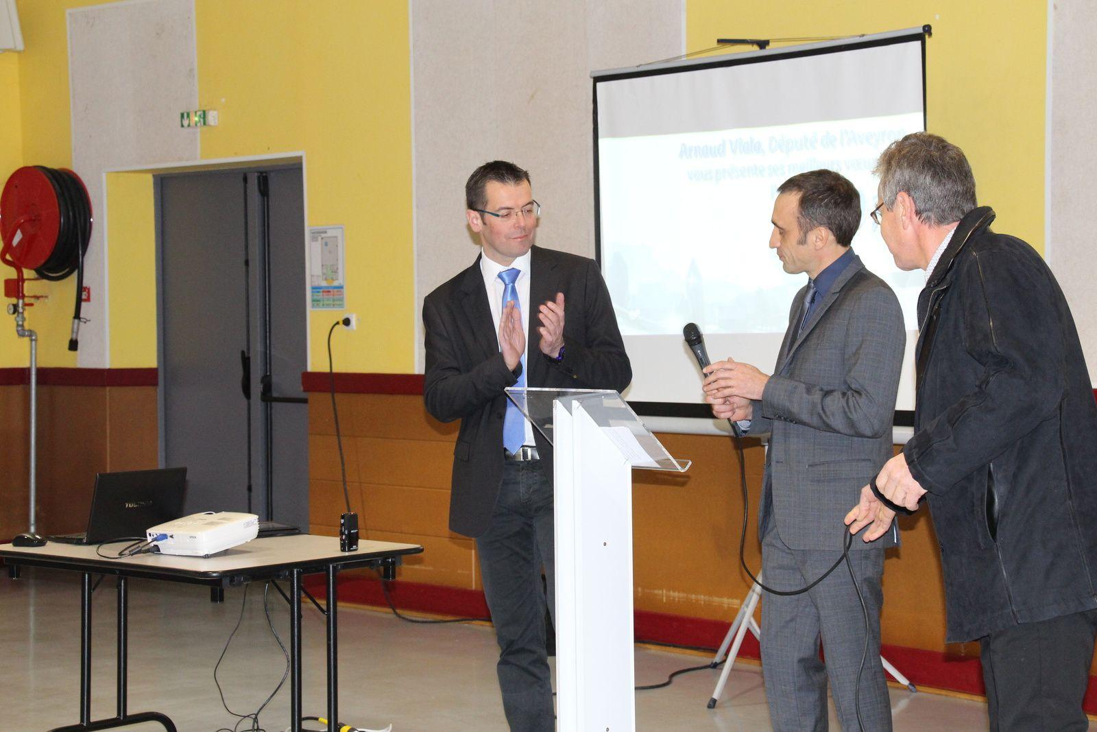 Le député Arnaud Viala, son suppléant Sébastien David, le maire d'Aguessac Aimé Héral lors de la cérémonie des voeux.