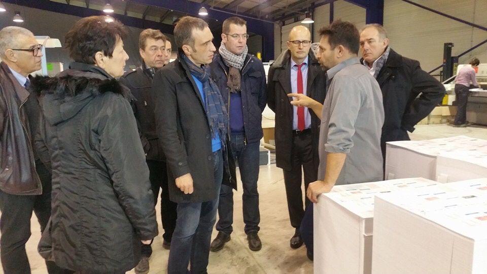 Le député, son suppléant, les élus du plateaux aux côtés d'Eric Aufère.