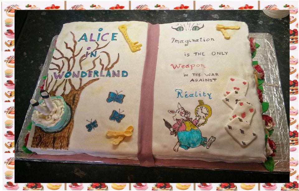 Livre ouvert Alice au pays des merveilles :
