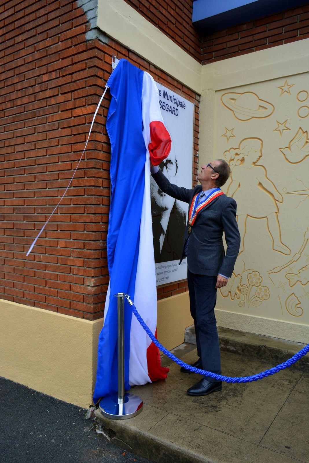 Inauguration de la médiathèque Norbert-Ségard d'Aniche le 14 novembre 2015.