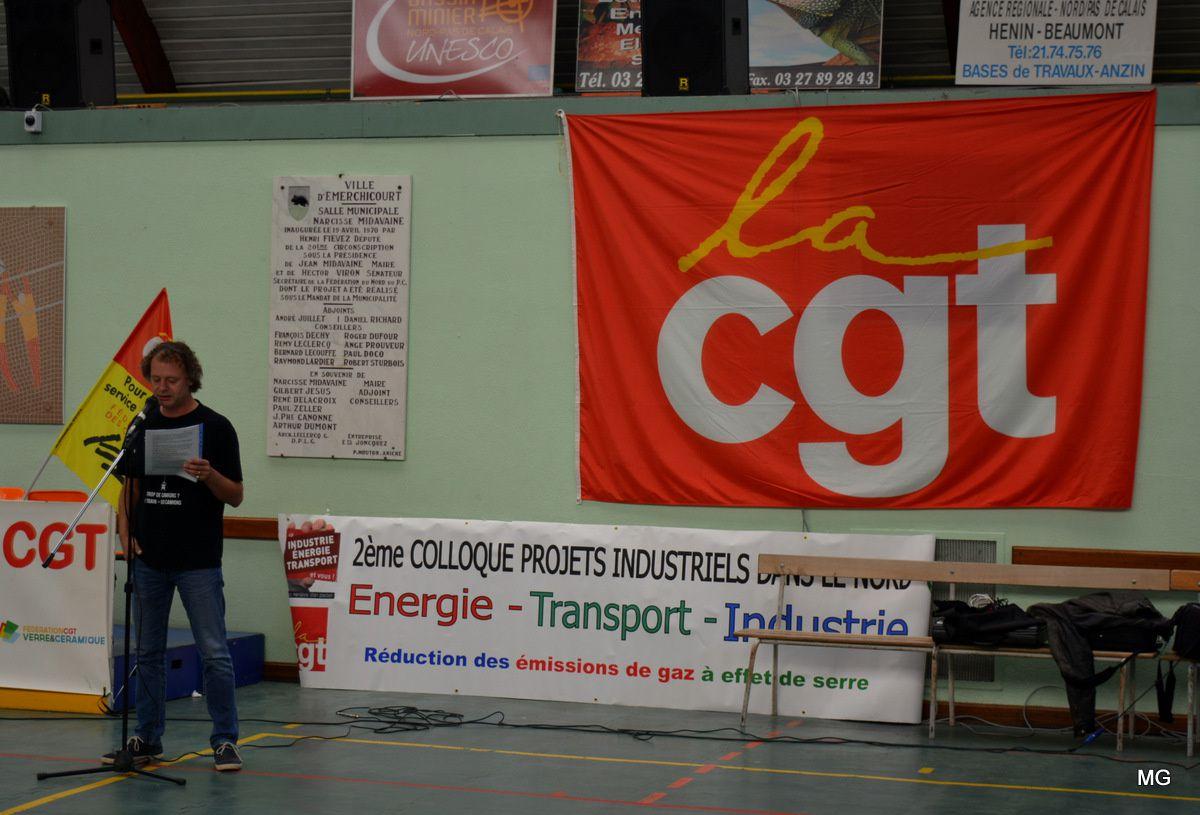 """Meeting """"Développement des emplois industriels"""" au Complexe sportif à Emerchicourt le 30 septembre 2016."""
