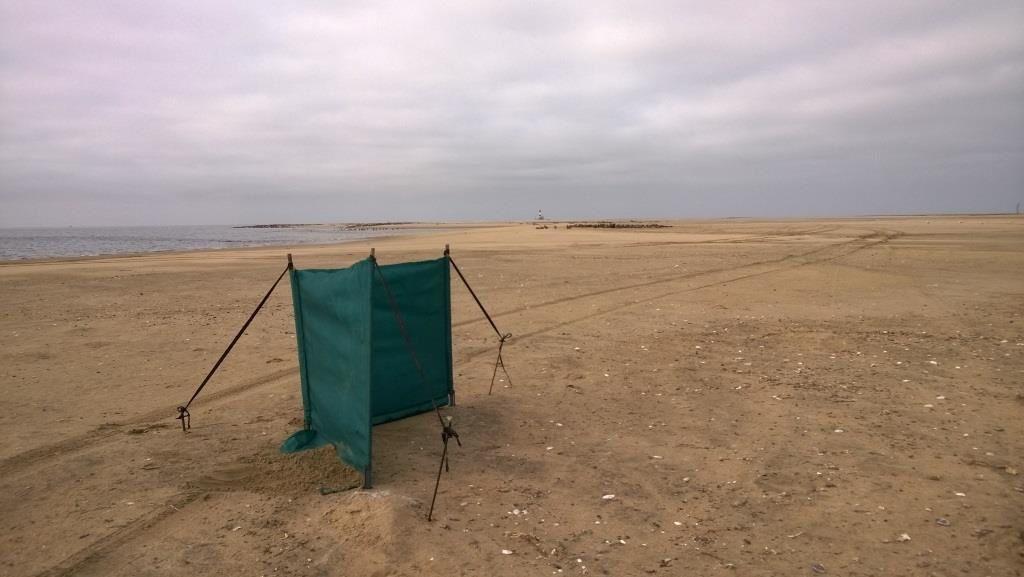 """Installation du camp et des """"bush-toilets"""""""