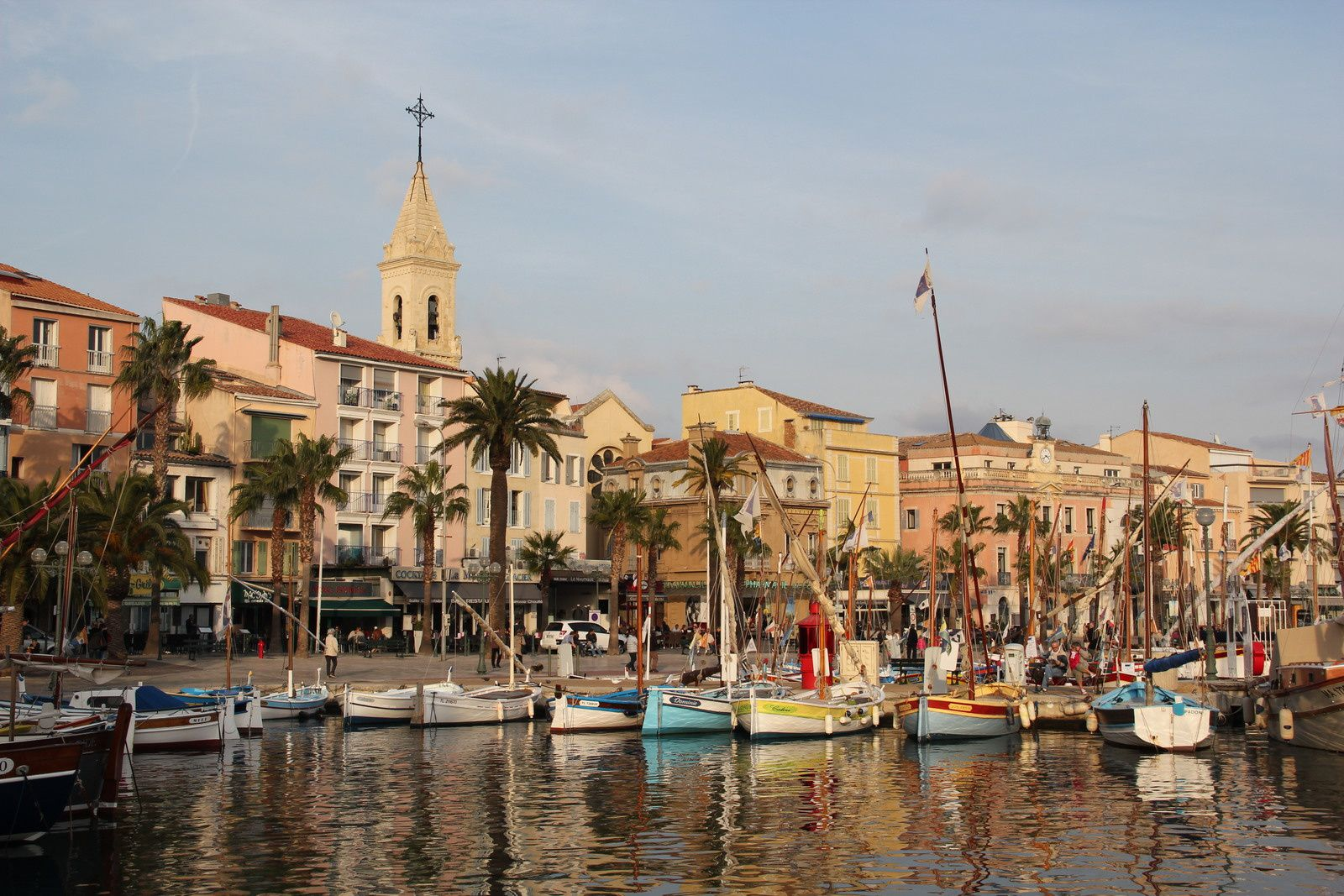 Sanary, son port et son clocher