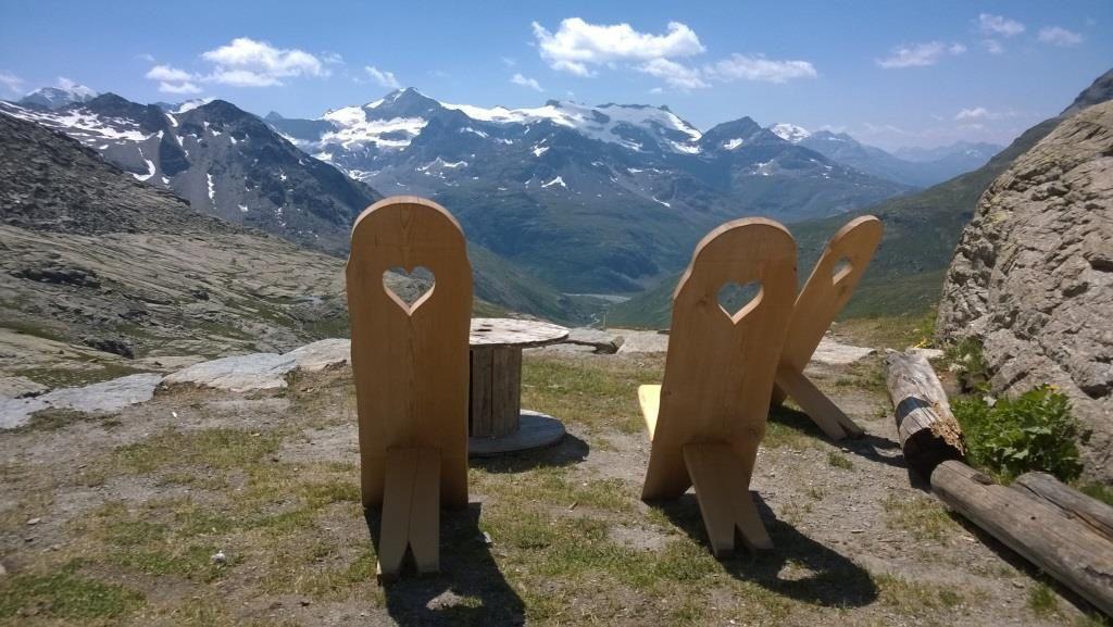 Panorama fantastique sur les sommets enneigés des Ouilles de Trièves
