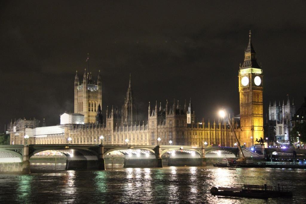 Big Ben et le Palais de Westminster de nuit