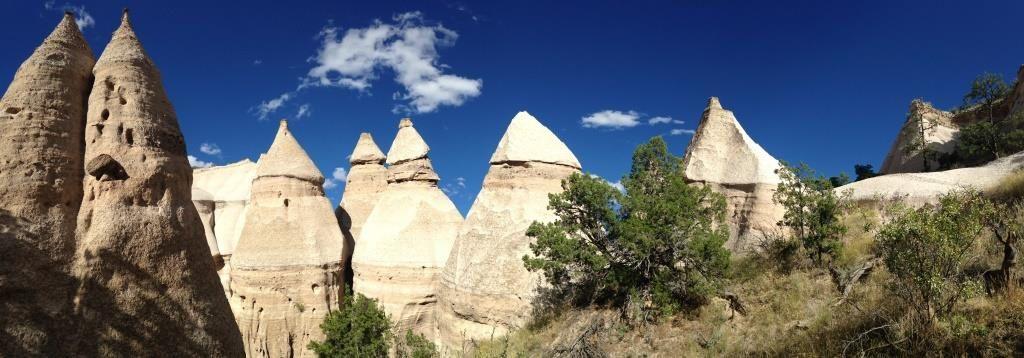 Les Tent Rocks. La plus haute du parc mesure 27m (PM)