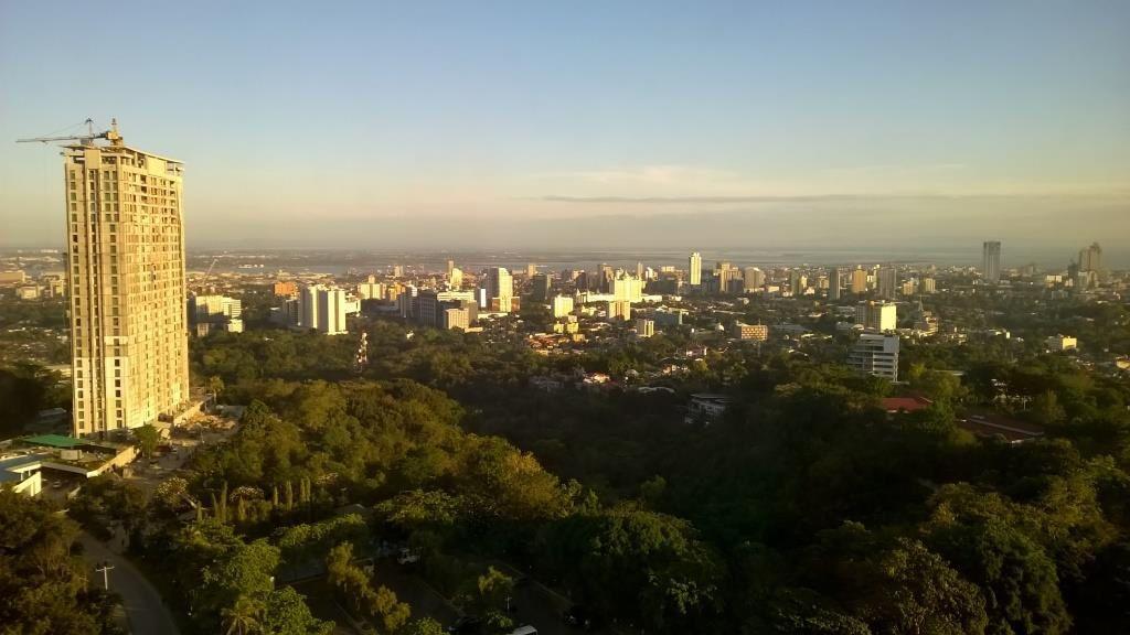 Vue sur Cébu City depuis notre chambre au Marco Polo Plaza