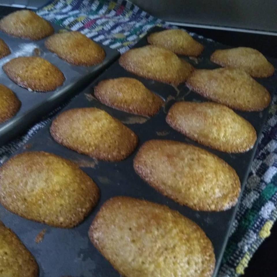 Madeleines traditionnelles à la vanille équitable et à la confiture poire caramel beurre salé de Lunel .