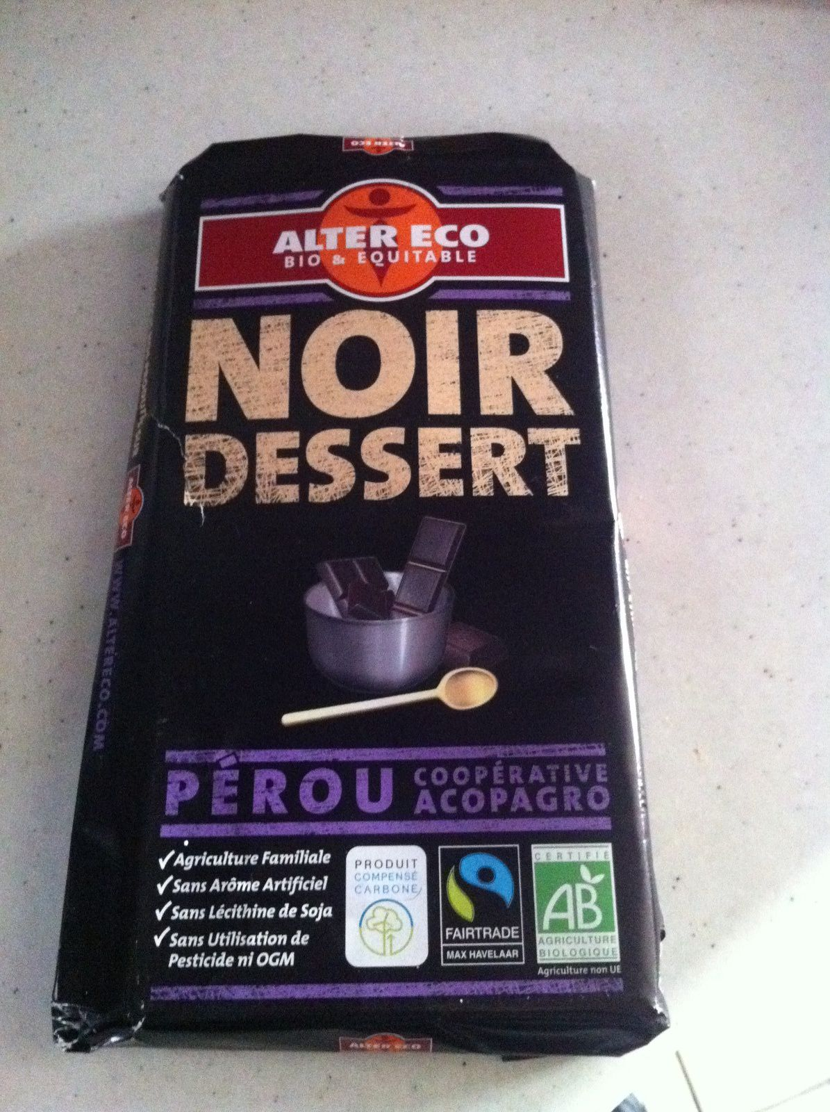 Mon brownies sans gluten au chocolat noir équitable au M&amp&#x3B;M'S .
