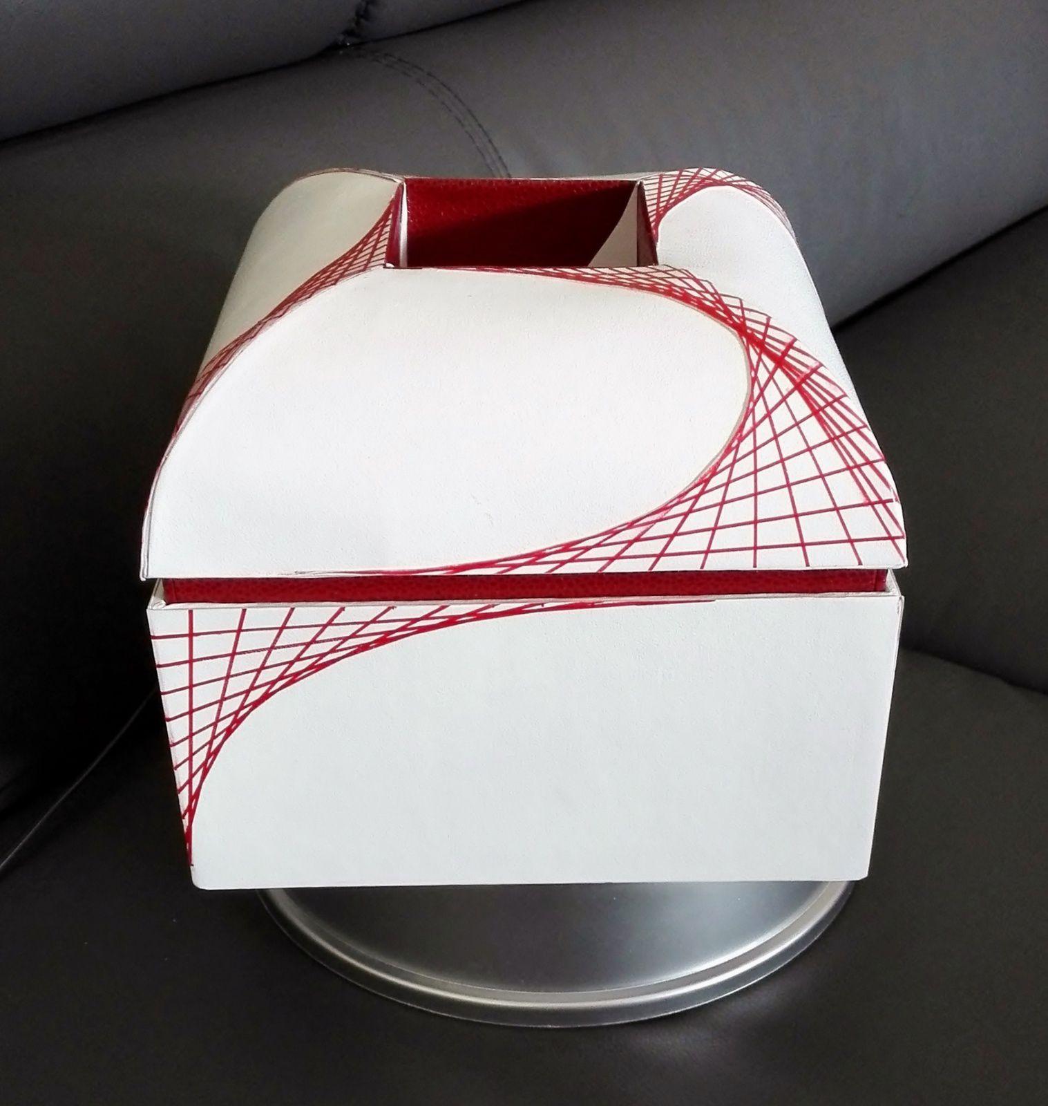 Après le kit...L'album photo de la boite mansard en forme de dôme.