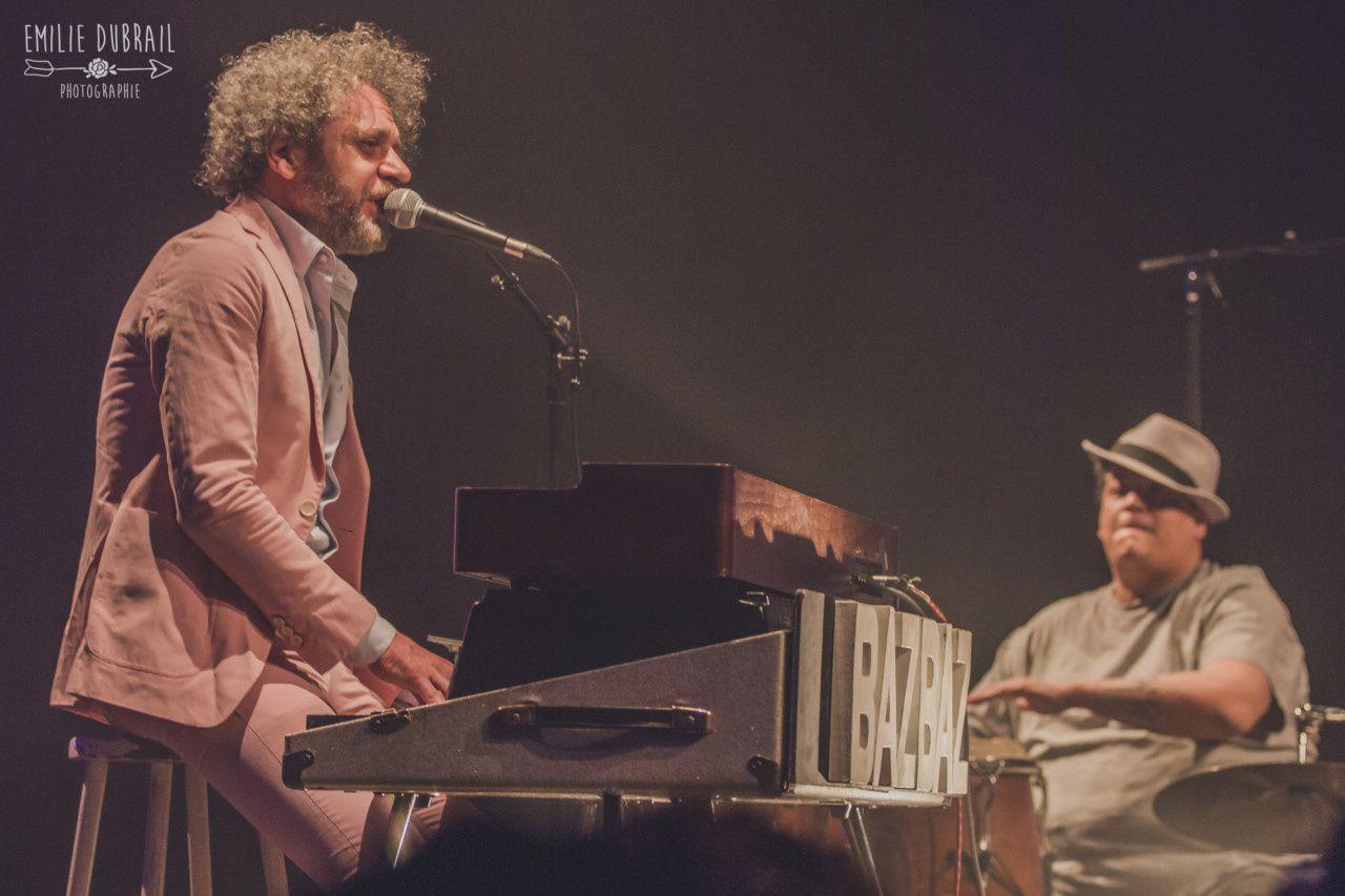 Bazbaz en concert avec le percussionniste Fabrice Colombani  -   Photo : © Emilie Dubrail -  DR