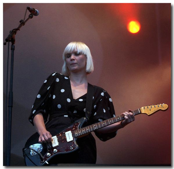 ERIC POLLET THE RAVEONETTES 8 copie