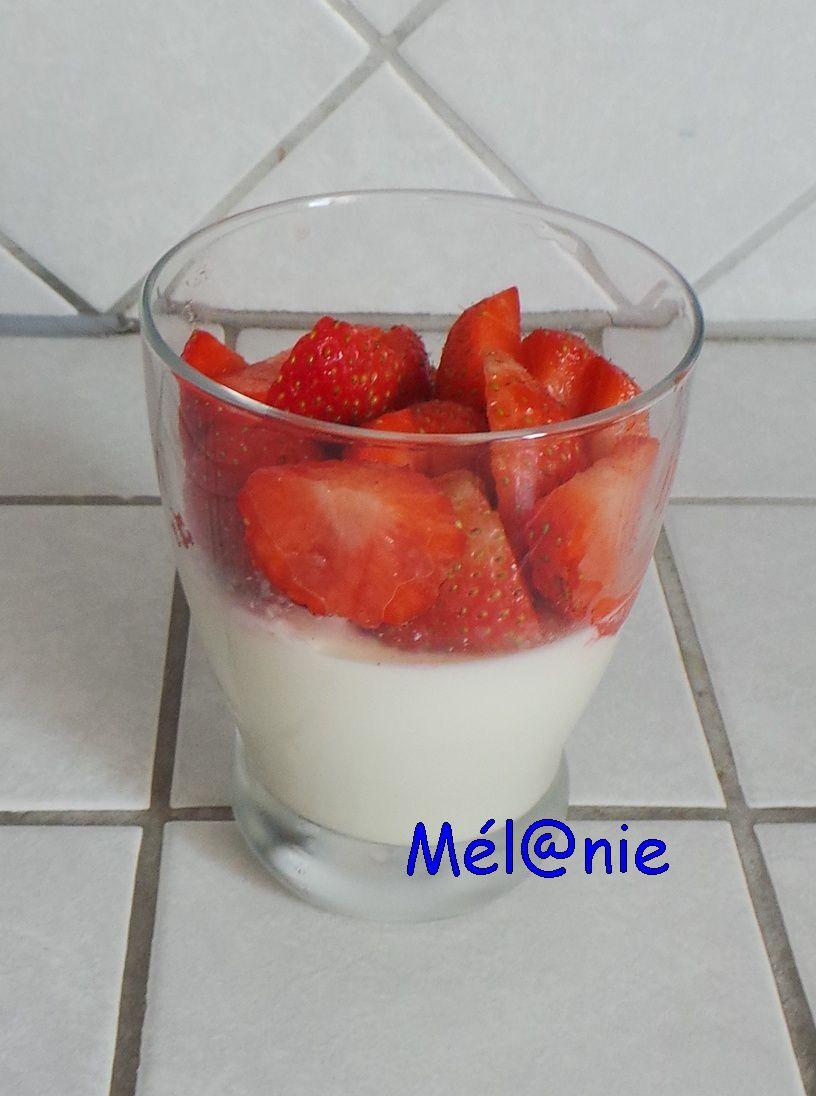 panna cotta vanillée aux fraises