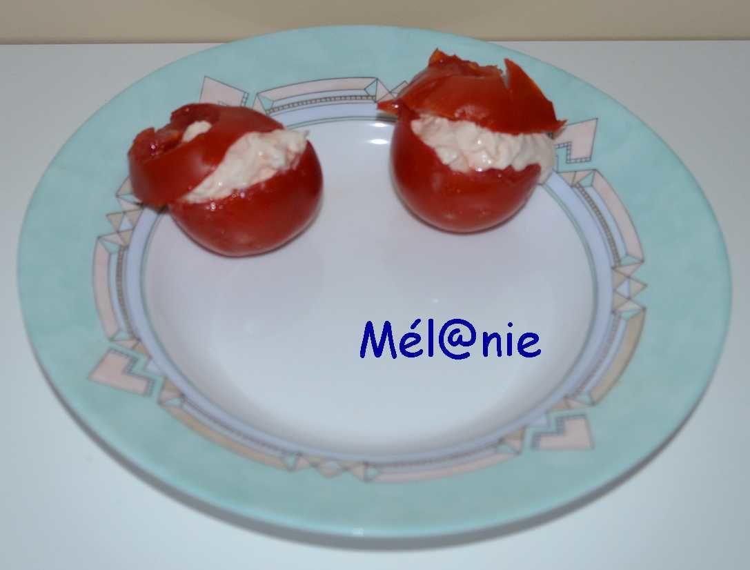 Tomates cocktail farcies au saumon fumé
