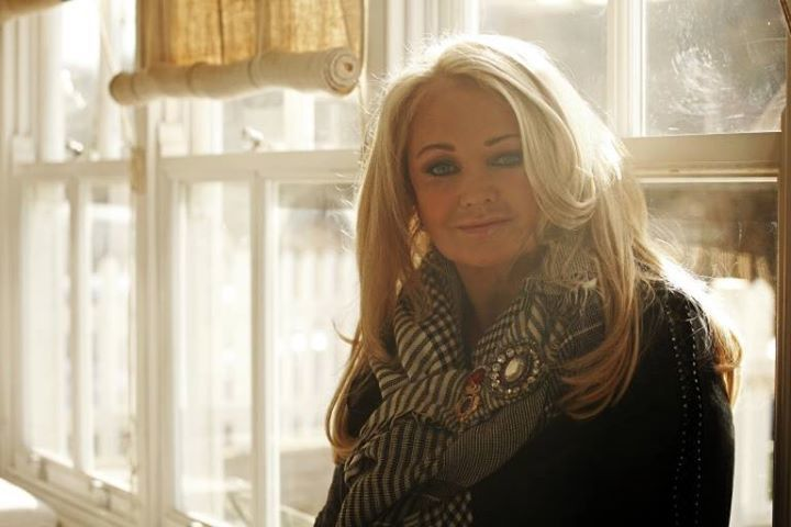 Bonnie Tyler pays tribute to Steve Strange [Vocal Interview]