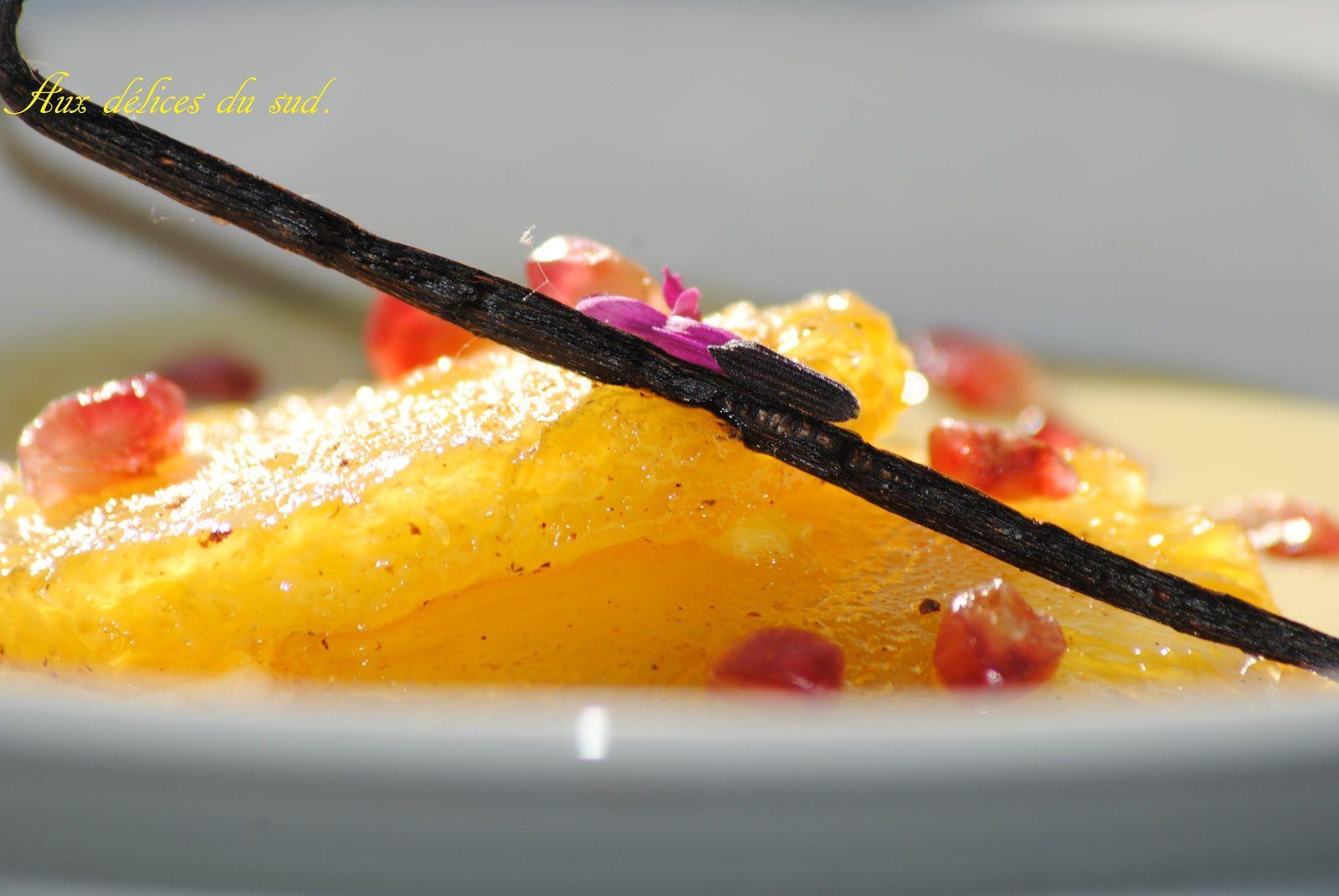 Ananas caramélisé à la fêve tonka et crème anglaise à la vanille .