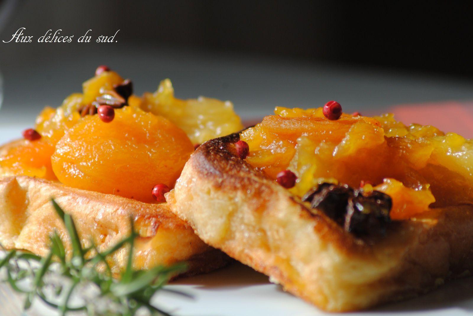 brioche perdue et sa compotée d'abricots secs et ananas à la badiane .