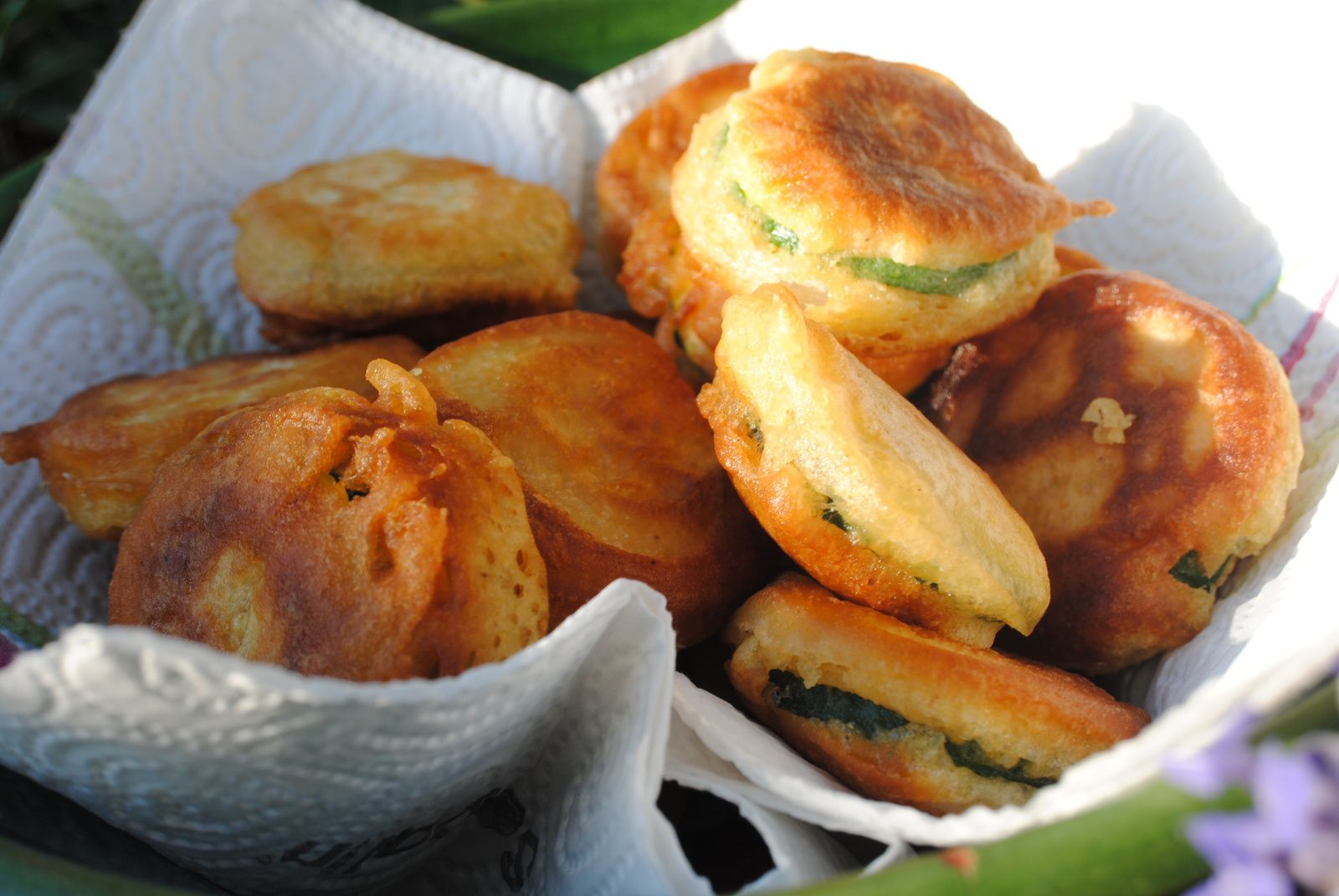 Beignets de courgettes au curry .