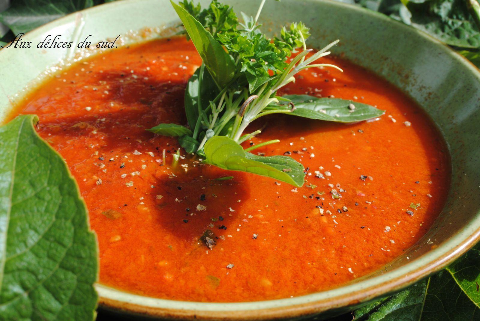 Coulis de tomates et  courgettes  en conserve .