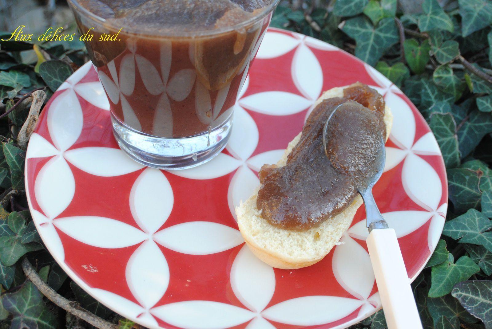 Crème de marrons vanille , tonka ( ou confiture de châtaignes ) .