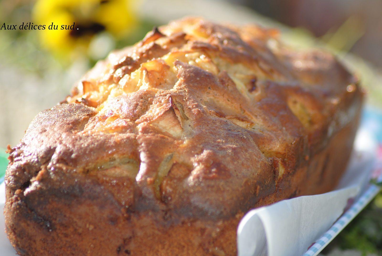 Gâteau aux pommes glacé .