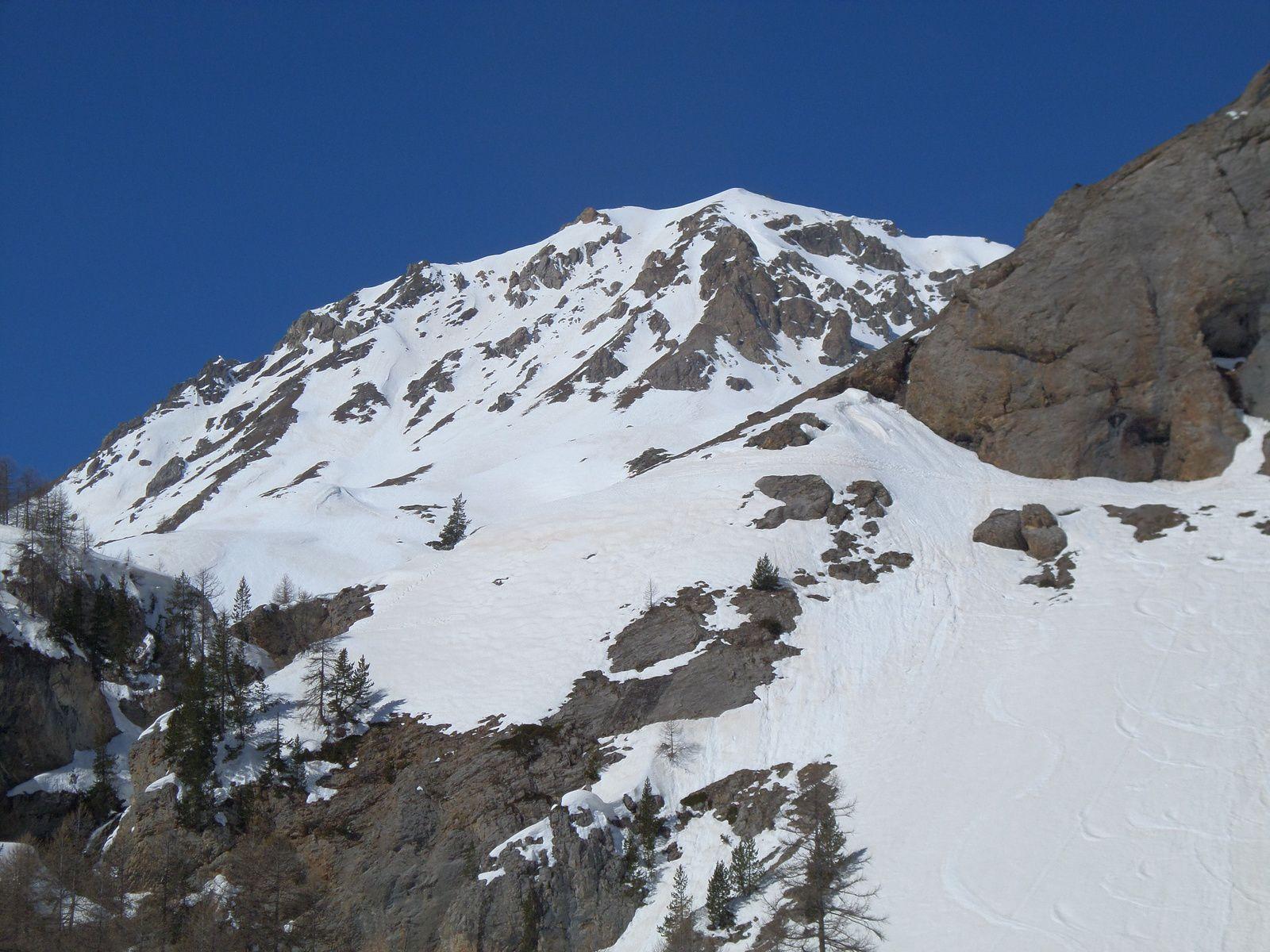 montée à ski de fond (avec peaux autocollantes) de Brunissard (1800m), jusqu'à Pra Premier (2050m) en Mars 2014