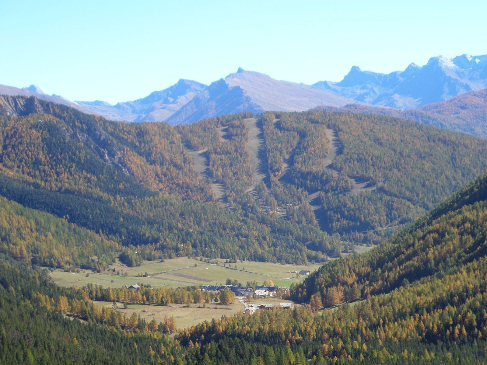 montée au Col de Néal et au Col du Lauzon et le sommet de Roche Noire avec vue sur les Lacs du Néal, de la Favière et du Cogour !!  splendide !!!