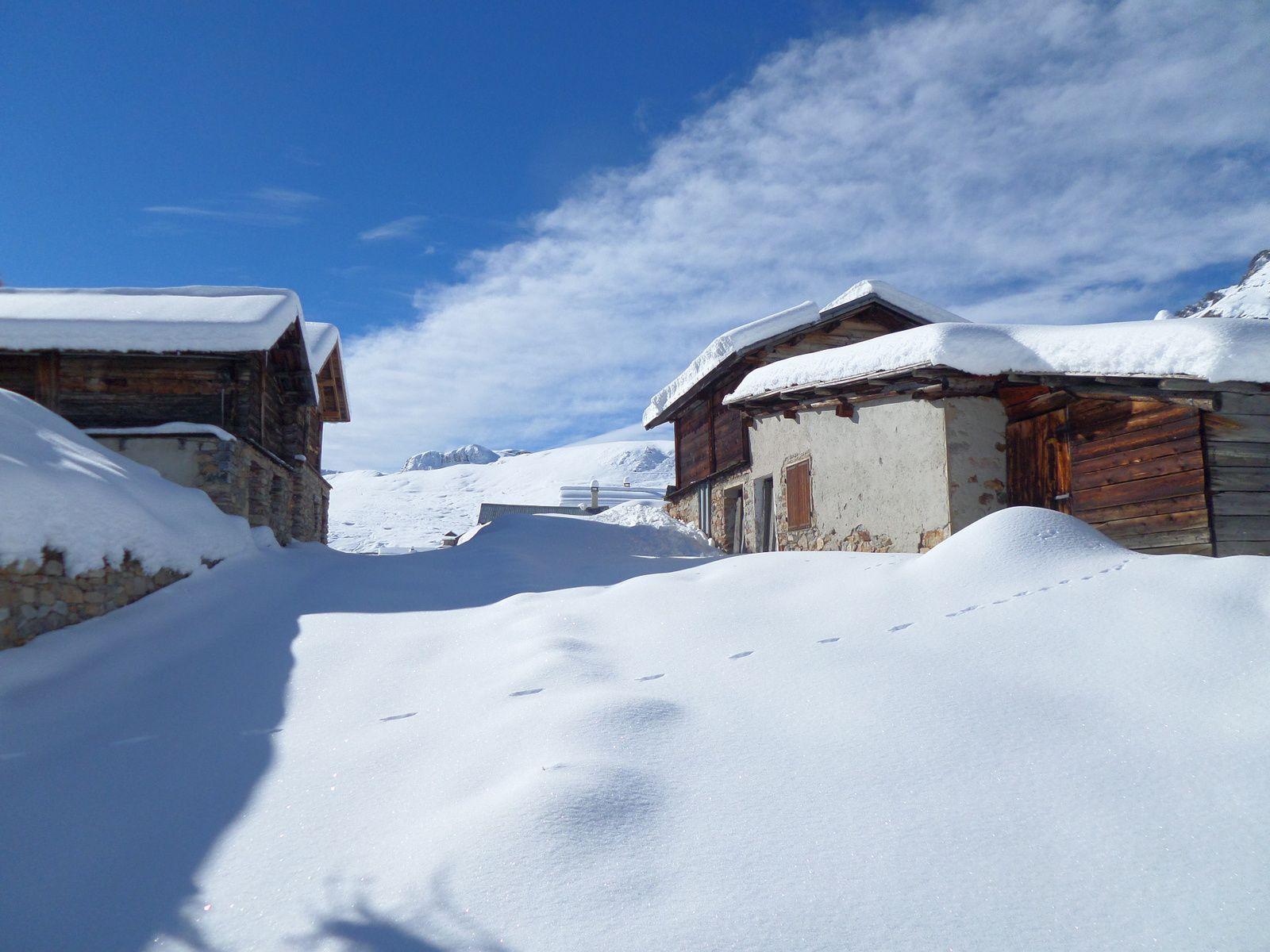 montée à ski de fond (avec peaux autocollantes) de Brunissard (1800m)  jusqu'aux Chalets de Clapeyto (2250m) par une belle journée d'Automne de novembre 2014