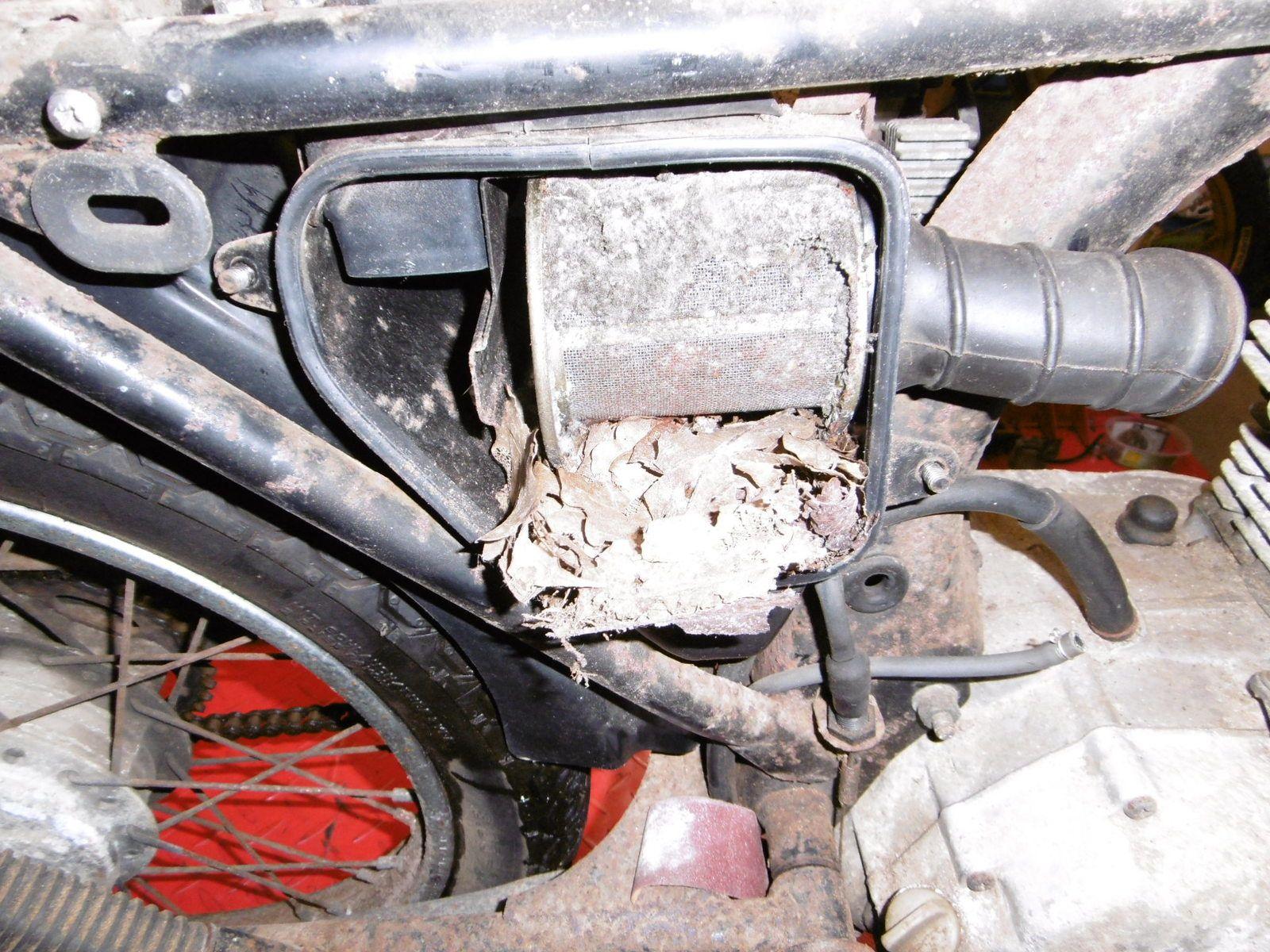 Honda Cb 125 N à remettre en état.