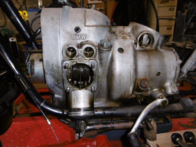 Bmw R50/2  Démontage pour devis de remise en état et modification.