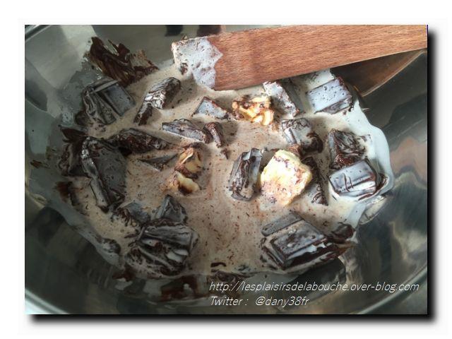 Bûche  chocolat noir et framboise