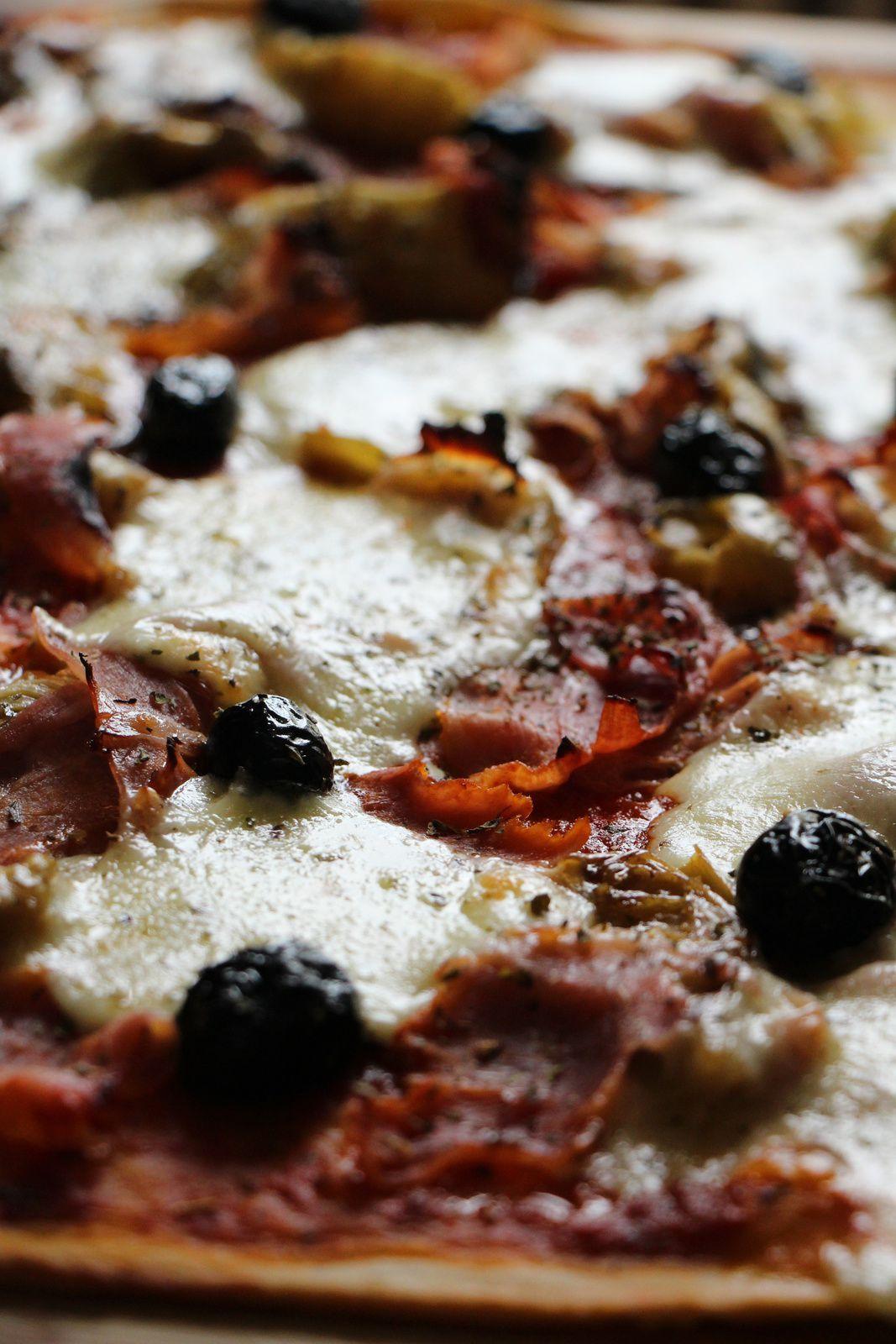 Pizza aux artichauts,jambon et mozarella