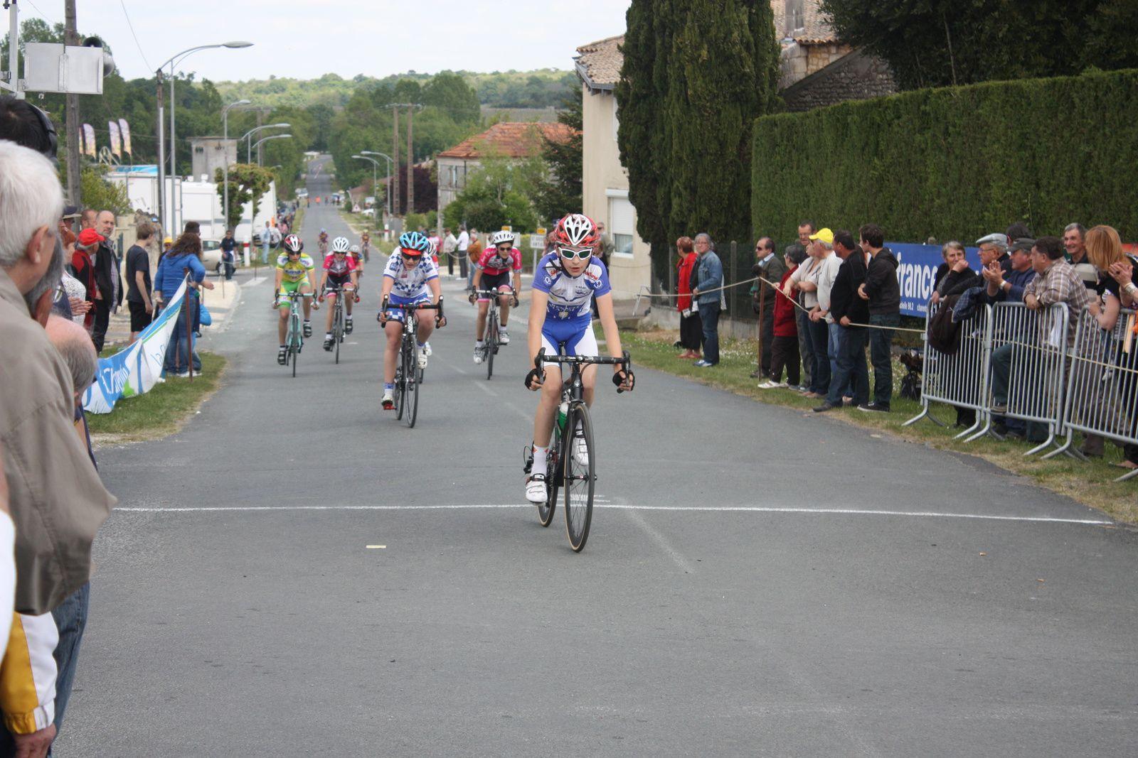 2e  Elie  DIAZ (UC  Pau), 3e  Cameron  NORMAN (G  Mansle), 4e  Alexandre  DURAND(CA  Bégles), 5e  Kilian  SOURDY(AC Jarnac-Aigre-Rouillac), 6e  Ludovic  BRIVADY(VC  Rochefort), 7e  Romain  BELON(VC  Montendre), 8e  Louis  PELLON(VC  Rochefort), 9e  Léa  RIBERIRO(VC  Savigny sur Orge), 10e  Callum  NORMAN(G  Mansle), 11e  Clément  ANDREAZZA(VC  Saintes), 12e  Alban  GRATEAU(AC  Macqueville), 13e  Lucas  PELISSON(C  Sud-Saintonge), 14e  Maximilien  REGADE(VC  Montendre), 15e  Lucas  FAVRAUD(VC  Montendre), 16e  Gwendoline  POUVREAULT(VC  Saintes), 17e  Valentin  MORAND (VC  Saintes), 18e  Lucas  ROSELLO(VC  Saintes), 19e  Aurélien  MICHAUD(VC  Rochefort), 20e  Nathan  POITEVIN(VC  Saintes), 21e  Bryann  PORTIER(VC  Saintes), 22e  Tristan  PETIT(VC  Rochefort).