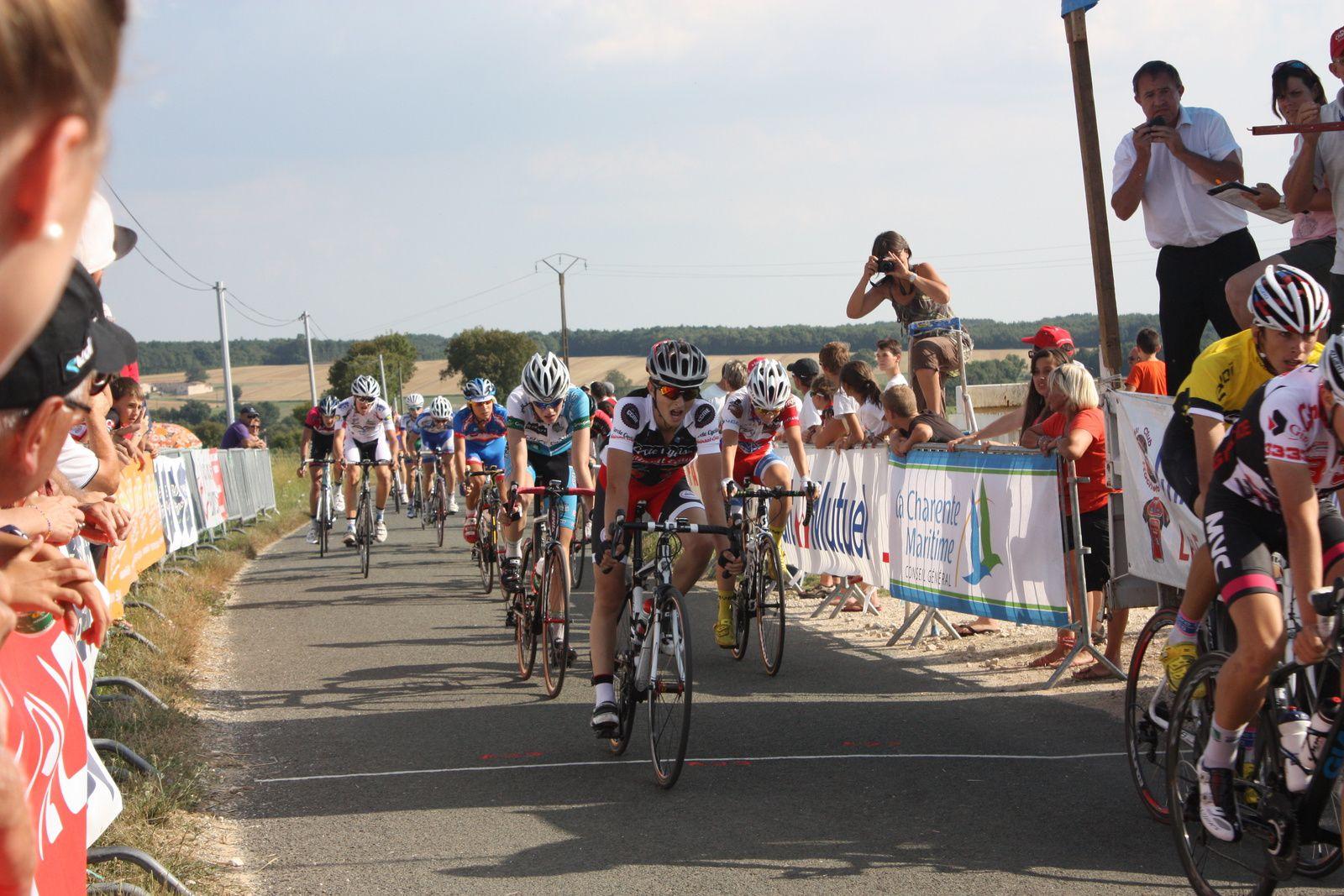 7e  Ludovic  SUIRE(Mérignac VC), 8e  Florian  LATOUR(UC  Gradignan),9e  Vincent  BERGERON(CC  Mainsat),10e  Théo  GRIFFOUL(Creuse  O), 11e  Erwann  MORIN(VCCO), 12e  Thomas  BARBEAU(UC  Gradignan), 13e  Thomas  TURMEL(C  Poitevin), 14e  Camille  SOULARD(P  St  Florent), 15e  Jérémy  BELLICAUD(VC  Montendre), 16e  Lucas  PAPIN(VCC  Marennes), 17e Louis  MASSE(JPC  Lussac), 18e  Clément  GALY(Mérignac  VC), 19e  Arthur  MOREAU(UA La Rochefoucault), 20e  Romain  LE HENAFF(CO La Couronne)