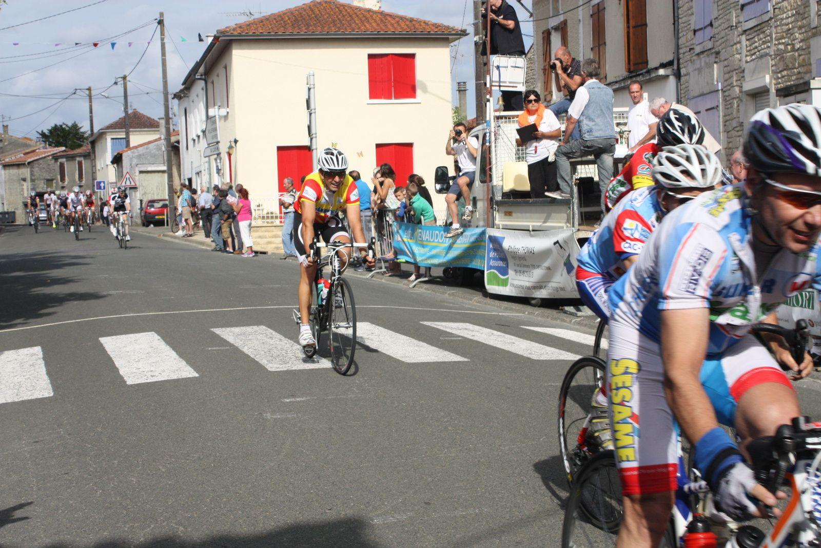 COUTURE  d'ARGENSON.3e,Juniors,PC