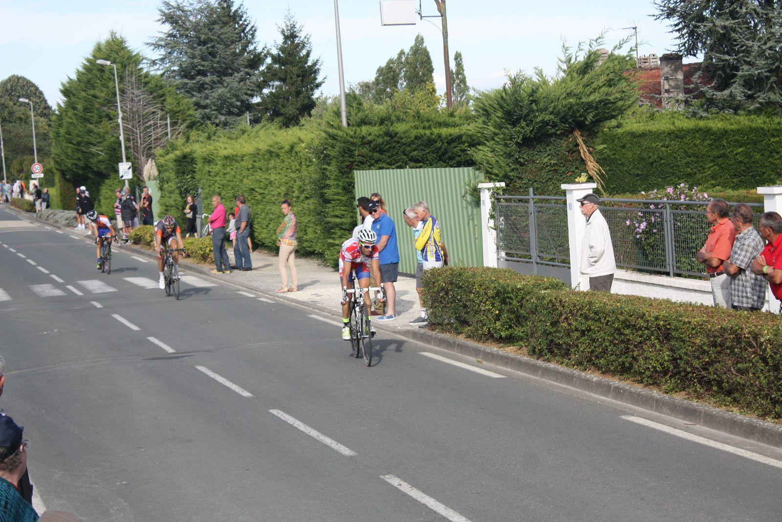 2e  Romain  MONCE(VC  Mérignac), 3e  Cyril  BASTIERE(VC  Pays de Langon), 4e  Eric  LECOANET(AC  Jarnac-Aigre-Rouillac), 5e  Mathieu  GIBAUD(UA La Rochefoucault), 6e  Nicolas  CRESPO(VC  Pays de langon), 7e  Valentin  PETITEAU(AC   Nersac), 8e  Christian  MONIER(C  Poitevin), 9e  Clément  MORICHON(G  croch), 10e  Cyrille  CHAMON(V  Naintré), 11e  Bertrand  CHAVANEL(UC  Cholet  49), 12e  Richard  BARIL(VC  Rochefort), 13e  Anthony  LUCAS(CA  Civray), 14e  Emmanuel  HERBRETEAU(AC  Jarnac-Aigre-Rouillac), 15e  Wielfrid  THIEBAUD(Tarbes C), 16e  Pierre  PAINAUD(G  St  Martinois), 17e  Thomas  VALENTIN(AC  Jarnac-Aigre-Rouillac), 18e  Jean-Patrick  TISSEAU(VC  Chantonnay), 19e  Olivier  BOSSIS(Angouléme  VC), 20e  Yannis  PERROCHEAU(VC  Herbretais), 21e  Jean-Claude  SOULARD(TC  Chateaubernard), 22e  Thibaut  BLANCHARD(VC  Saintes), 23e  Kévin  BERTRAND(ACBB)