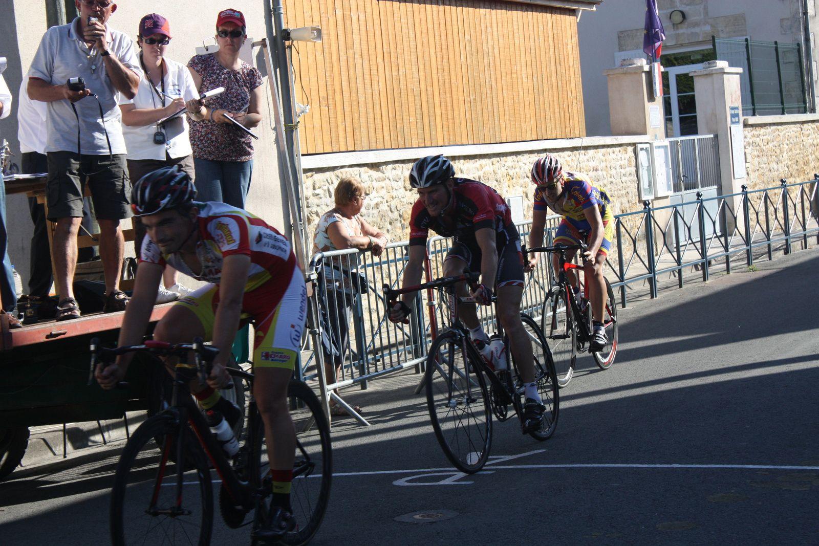 11e  Nicolas  CRESPO(VC  Pays de  Langon), 12e Christian  MONIER (C  Poitevin), 13e  Julien  RENOUX(VC  Saintes)