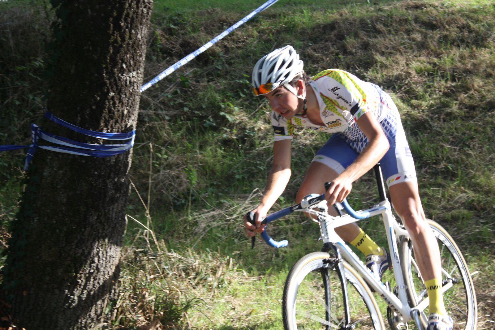 Benjamin  ANGOT  s'installe  à  la  2e  place  et  Jonas  DUPUIS  remonte  à  la  3e