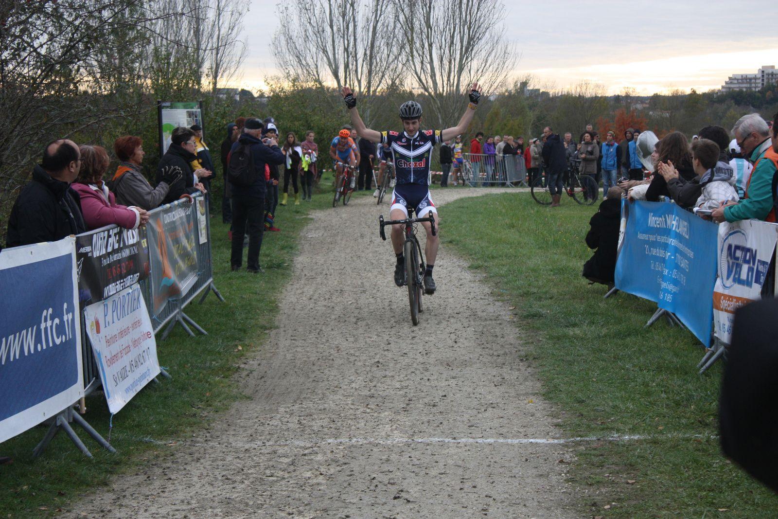 Victoire  pour  Michaél  SZKOLNIK (  G  Bordeaux)
