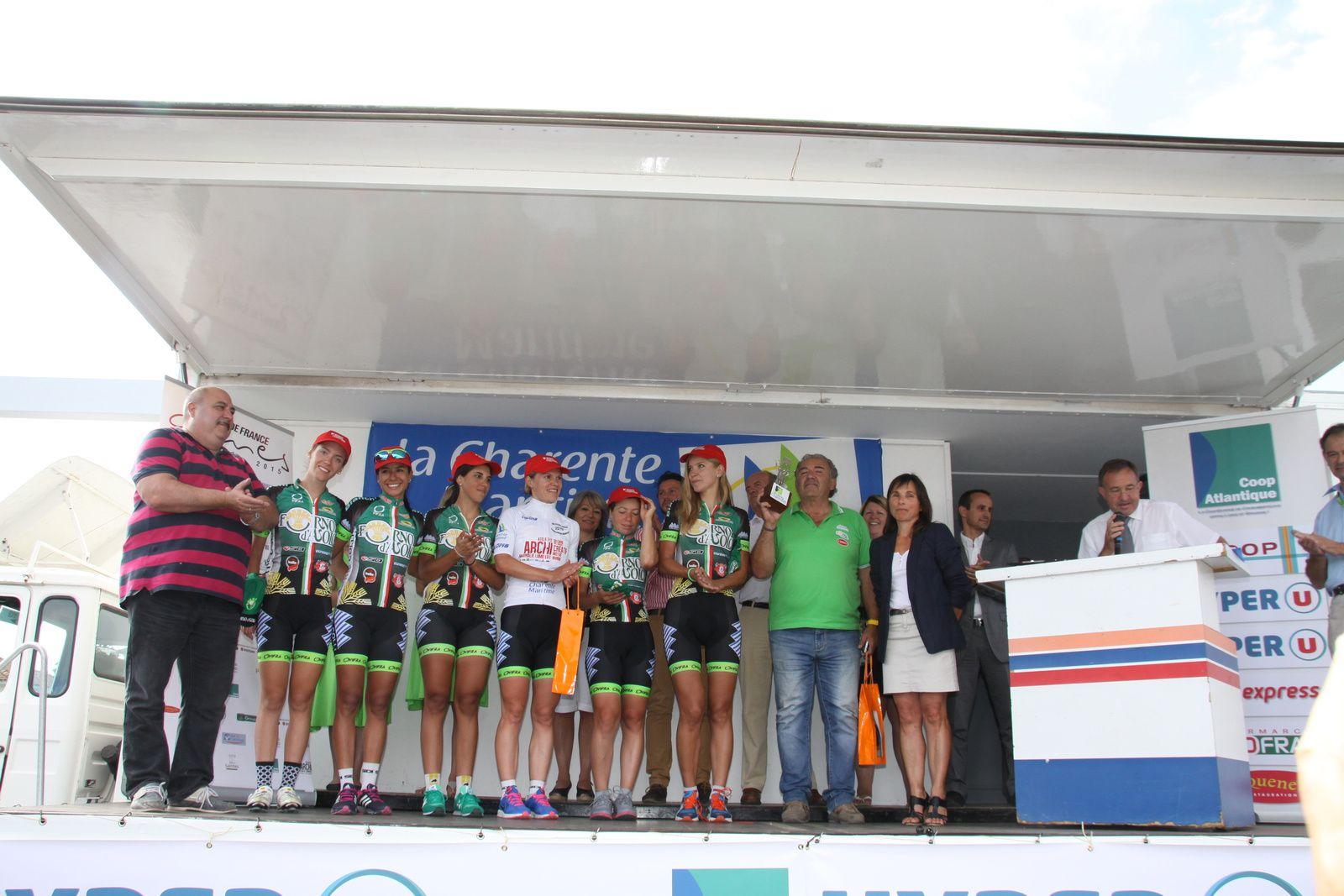Le  podium  complet  de  cette  1er  étape  avec  les  partenaires