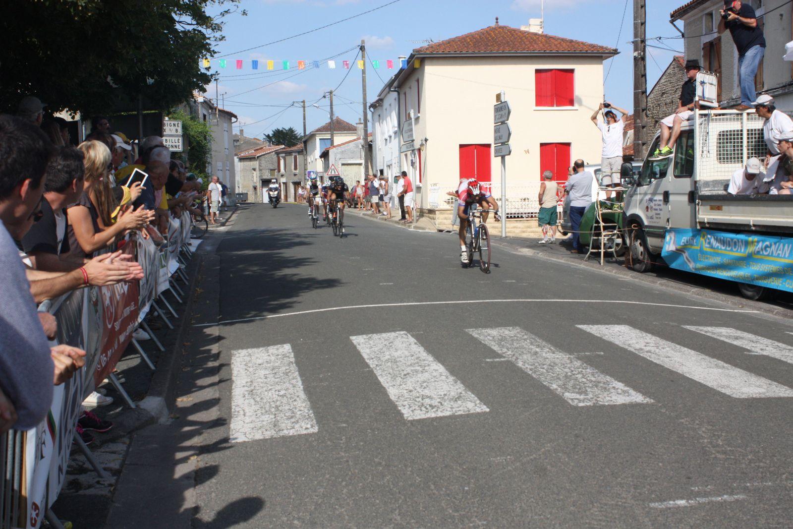 2e  Patrick  BALLANGER(AC  Jarnac-Aigre-Rouillac), 3e  Nicolas  LECLERC(Angouléme  VC), 4e  Vincent  GUEDON(VC  Rivesaldes), 5e  Francis  FEMANDY(AC  Jarnac-Aigre-Rouillac)